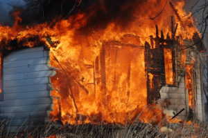 House Fire - Image Kpahor, Wikimedia