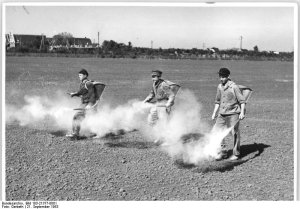 Pesticide spraying in the DDR
