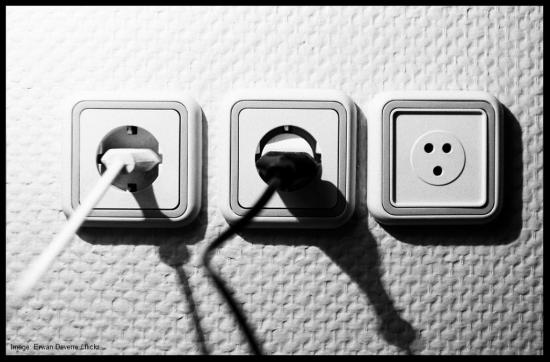 plugs-border-erwan-deverre-flickr